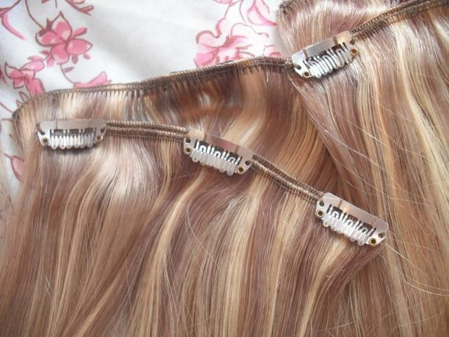 How to remove hair extensions at home?